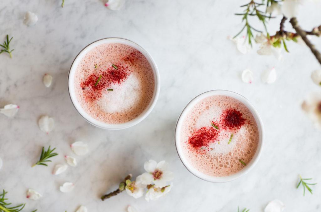 bebida rosa con leche